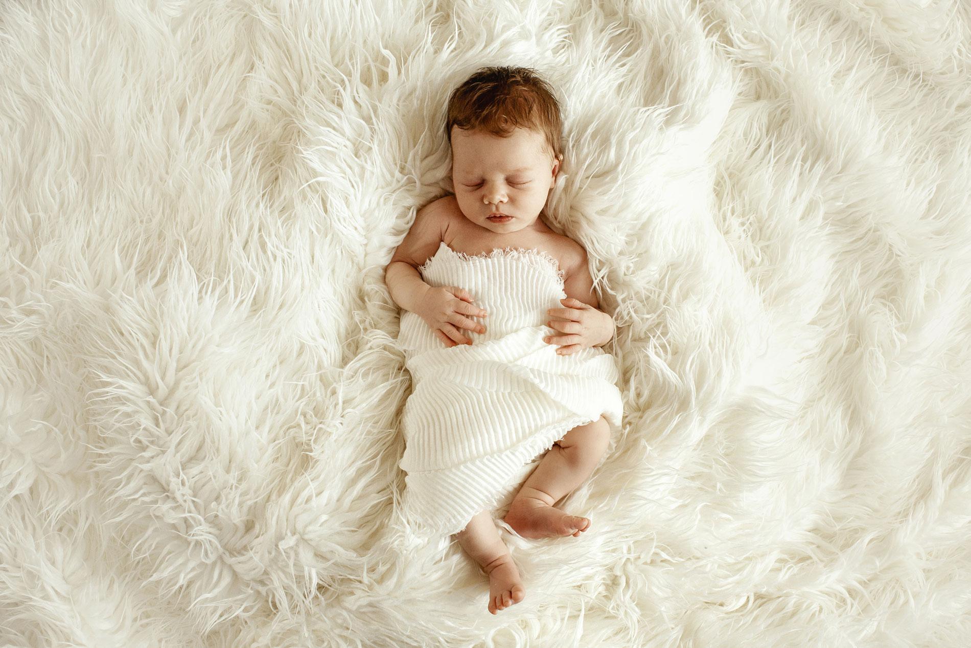 Babyshooting und Neugeborenenfotografie gemütlich zu Hause in Hamburg, Lüneburg, Stade.